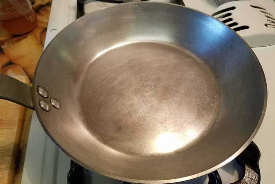 A Carbon Steel Pan Seasoning Method that Actually Works